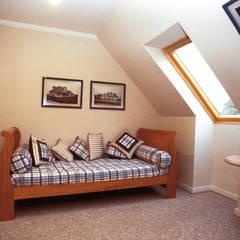 Stone House-. 210m2- Padre Hurtado: Dormitorios de estilo  por Casabella