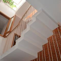 Projekty,  Okna dachowe zaprojektowane przez Công ty TNHH Xây Dựng TM – DV Song Phát