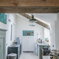 Award-Winning Listed Building Renovation :  Kitchen by Living Space Architects