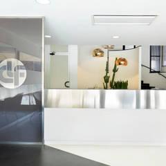 CLF | Costruzione Linea  Ferroviarie S.p.a.: Complessi per uffici in stile  di OpenQuadra