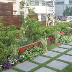 상업정원_서울시 마포구 아만티 호텔 서울 정원 프로젝트: (주)더숲의  호텔