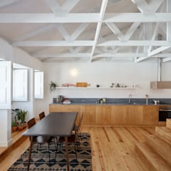 Living room by arriba architects