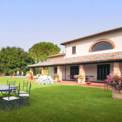Casitas de jardín de estilo  por Morelli & Ruggeri Architetti