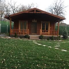 KAYALAR AHŞAP KERESTE ÜRÜNLERİ – Ahşap bungalov kütük ev:  tarz Kayalı bahçe