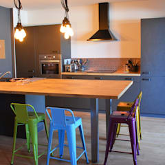 Built-in kitchens by Koya Architecture Intérieure
