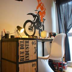 Décoration d'un appartement neuf à Lyon: Chambre garçon de style  par Koya Architecture Intérieure