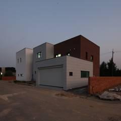 지산발트하우스 하울: 인문학적인집짓기의  일세대용 주택,모던