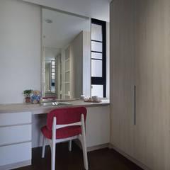 غرفة الملابس تنفيذ 夏川空間設計工作室