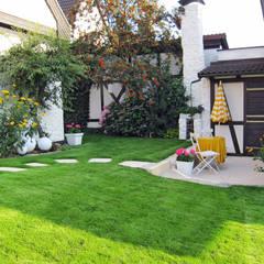 RAUCH Gaten- und Landschaftsbau GbR의  정원 창고