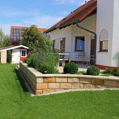eclectic Garden by RAUCH Gaten- und Landschaftsbau GbR