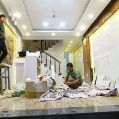 Công trình ốp tường trang trí nội thất tại Cổ Nhuế Hà Nội:  Tường by Công Ty TNHH Ferino Việt Nam