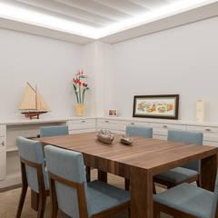 classic Dining room by Gumuzio&PRADA diseño e interiorismo