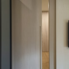 Cửa ra vào by 夏川空間設計工作室