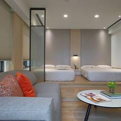 <大樓-3+1房2廳>度假感住宅 貼心三代機能需求:  嬰兒房/兒童房 by 夏川空間設計工作室
