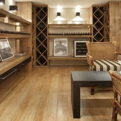 Wine cellar by JCWK arquitetura (jancowski arquitetura)
