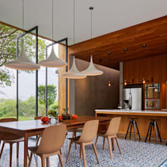 House of Inside and Outside: tropical Kitchen by Tamara Wibowo Architects