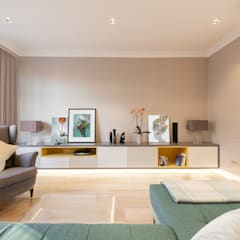 Weybridge House Refurbishment:  Living room by Timothy James Interiors