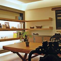書房:  書房/辦公室 by 贏特室內裝修工程有限公司  Winner Interior Design