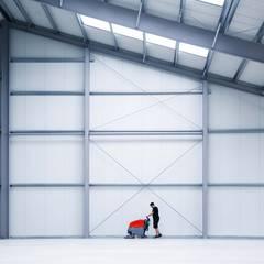 RENT EVENT TEC - Taylor Mannheim / Peter Stasek Architects - Corporate Architecture / Baustelle Juni 2017:  Geschäftsräume & Stores von Peter Stasek Architects - Corporate Architecture