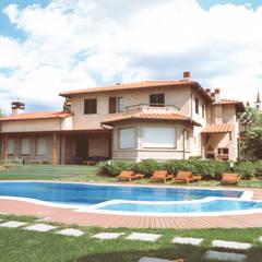 Morelli & Ruggeri Architettiが手掛けた家庭用プール