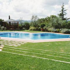 مسبح لانهائي تنفيذ Morelli & Ruggeri Architetti