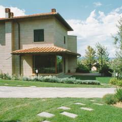 Villa de style  par Morelli & Ruggeri Architetti