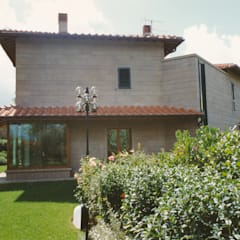 สวนหน้าบ้าน by Morelli & Ruggeri Architetti