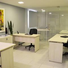 Sala Técnica: Espaços comerciais  por Coletânea Arquitetos