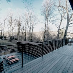 Chesapeake:  Patios & Decks by KUBE Architecture