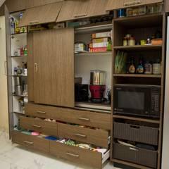 POISE Modular Kitchen:  Kitchen units by Poise