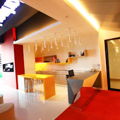 Tegas Jana - South Gate Commercial Building:  Offices & stores by inDfinity Design (M) SDN BHD