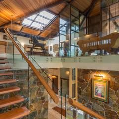 Treppe von MJKanny Architect