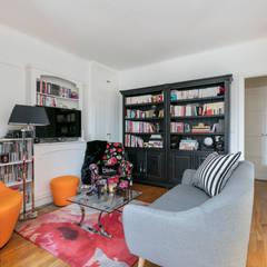 Un salon cosy et lumineux: Salon de style de style Classique par E.D. Décoration d'Intérieur
