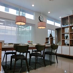 Contemporary Tropical , 3-Storey semi-D:  Dining room by inDfinity Design (M) SDN BHD, Tropical