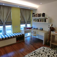 Contemporary Tropical , 3-Storey semi-D:  Bedroom by inDfinity Design (M) SDN BHD