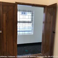 Mr Vodur Reddy's Villa:  Corridor & hallway by Archstone Ventures,