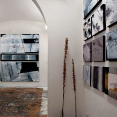 Study/office by officinaleonardo, Minimalist Concrete