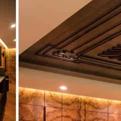 Copper House: Медиа комнаты в . Автор – OM architecture