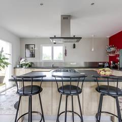 Aménagement d'intérieur maison neuve: Éléments de cuisine de style  par Agence 360 degrés