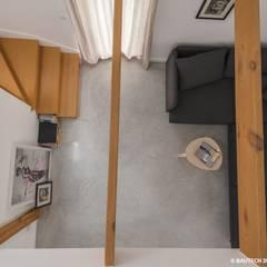 Simple House: styl , w kategorii Podłogi zaprojektowany przez Bautech Sp. Z O.O.