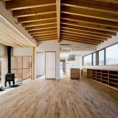 Salas / recibidores de estilo  por キリコ設計事務所, Asiático