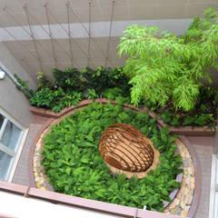 Il giardino all'improvviso: Giardino in stile  di arch. Valerio Cozzi