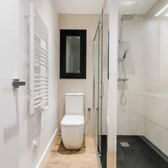 classic Bathroom by Kharana