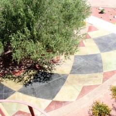 Projekty,  Podłogi zaprojektowane przez Daniel Teyechea, Arquitectura & Construccion