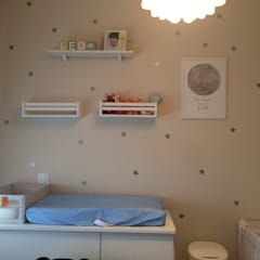 Dormitorios de bebé de estilo  por BARBARA PITANGUEIRA ARQUITETA,