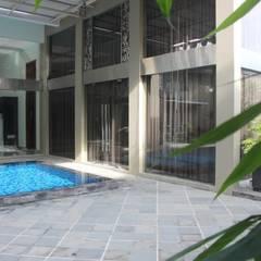 Rumah Tinggal Mewah di Semarang:  Kolam Renang by Paulus Adi Budianto