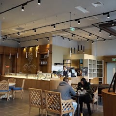 Interior Design for french pastry store in China: Restaurants de style  par jun wan dumont