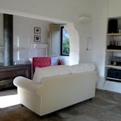 Projecto de Habitação Unifamiliar Salas de estar rústicas por Bigarquitectura Rústico