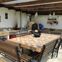 Casa De Campo El Cucharal: Comedores de estilo  por ProEscala- Arquitectos
