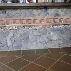 Casa De Campo El Cucharal: Paredes de estilo  por ProEscala- Arquitectos